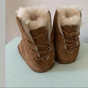 UGG Shoes - UGG Infant Boo Boots Chestnut Brown Size Small 2/3